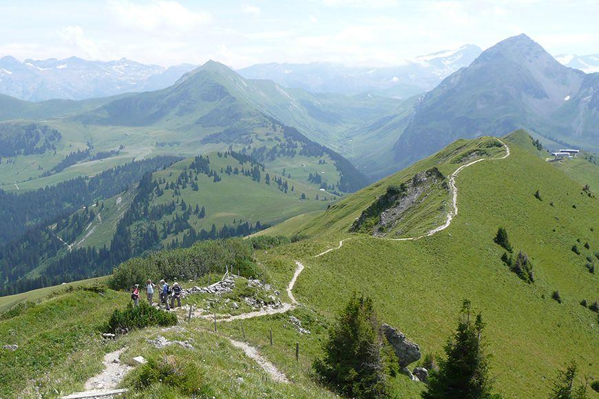 Gstaad walking